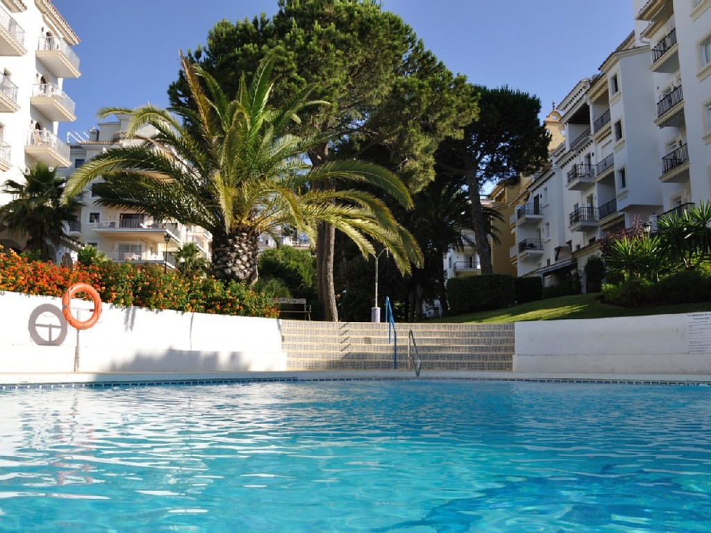 Two Bedroom Apartment in Puerto Banus