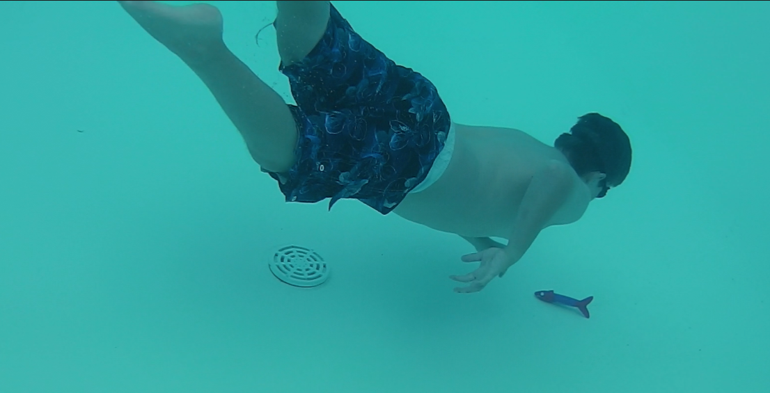Best Pool Toys for Confident Swimmers – Spinning Sticks, a Clam Hunt and a Ball!