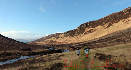 Walking the glen from Catacol Bay. An dyes, that's the sea in front of the hills at the end of the glen