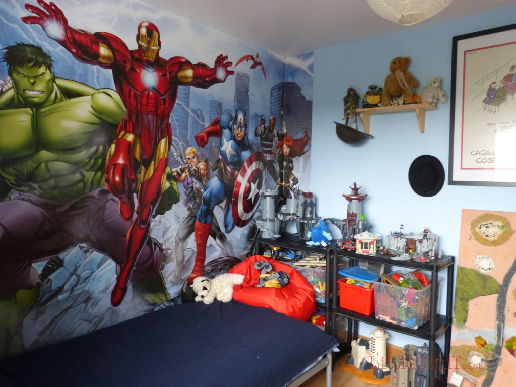 dulux marvel avengers bedroom in a box officially awesome. Black Bedroom Furniture Sets. Home Design Ideas