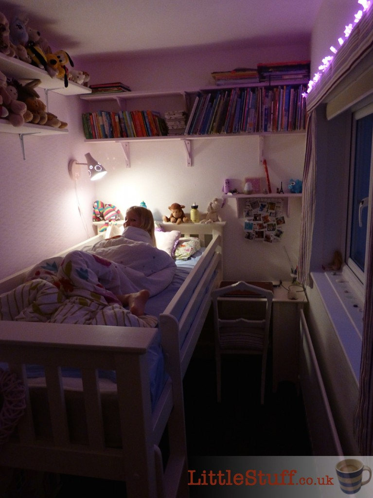 7yr-old-girls-room-makeover-fairylights