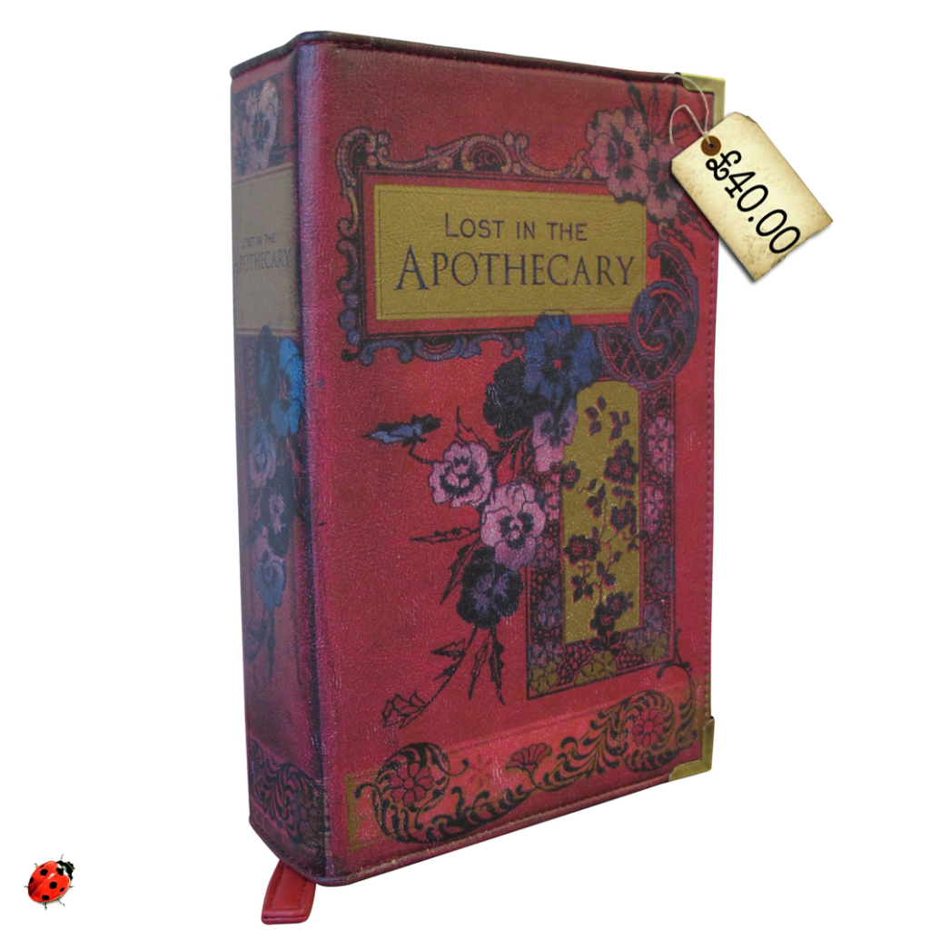 Oh. My. LOOK! Pretty clutch bags that look like old books! Be ...