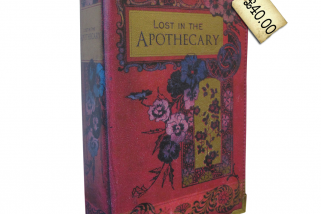 Oh. My. LOOK! Pretty clutch bags that look like old books! Be still my heart…
