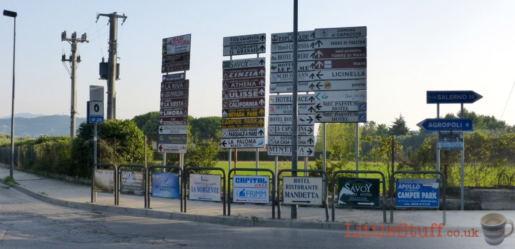 confusing-Italy-road-signs-for-campsites