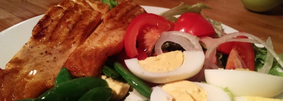 Warm Salmon Salad Nicoise – warm, comforting, healthy and a perfect antidote to Christmas richness.