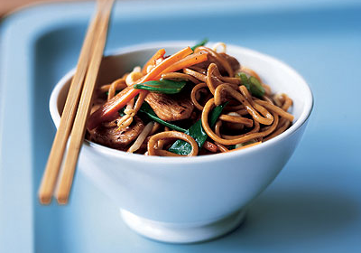 Replace your Takeaway with a Fakeaway – Healthy Chicken Chow Mein recipe