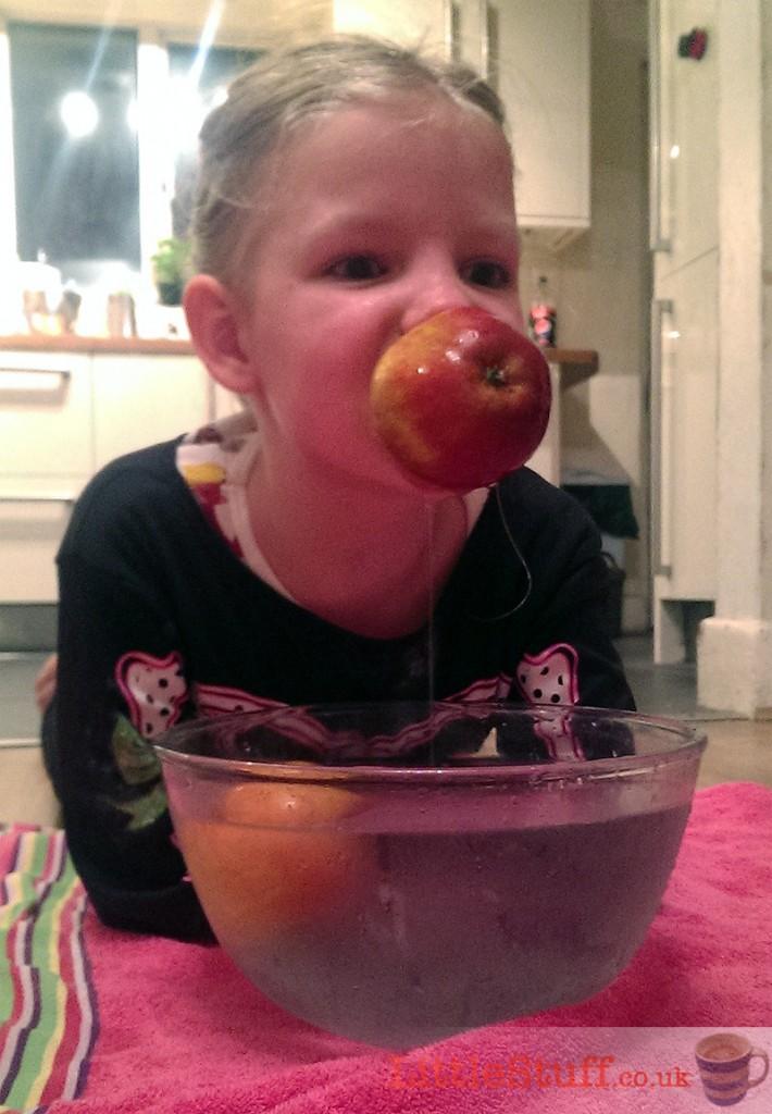 apple-bobbing-bowl