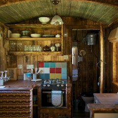 Astonishingly Luxurious Pioneer Cabins – glamping in Dorset with Loose Reins