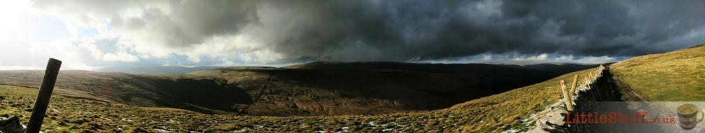 Yorkshire-dales-frozen-pennine-way-landscape
