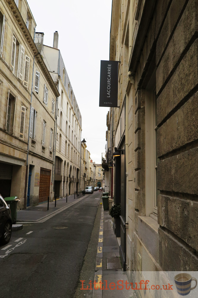 la-cour-caree-front-street