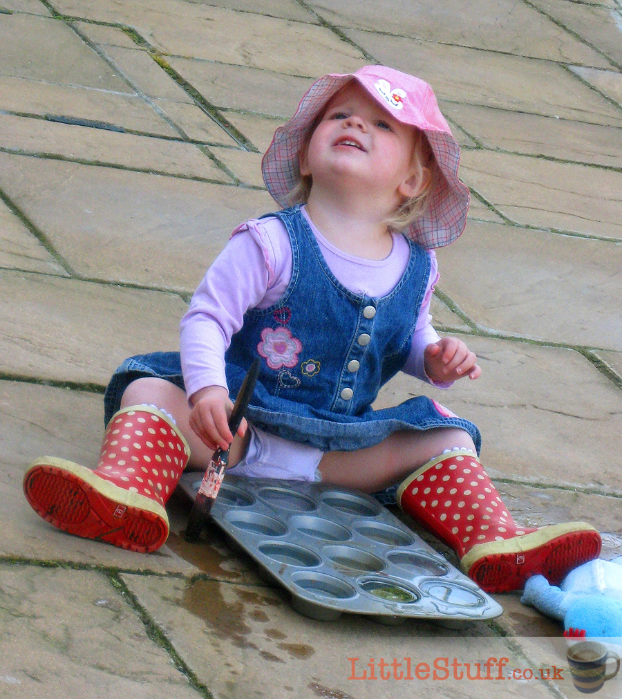 messy-play-garden-water-painting