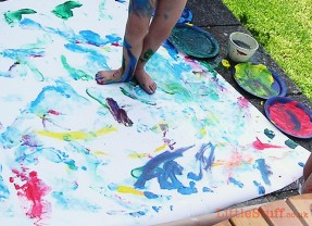 Life Is Messy – 7 Steps to stay sane with Messy Play.
