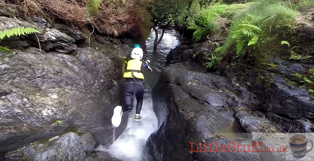 ghyll-scrambling-face-leap