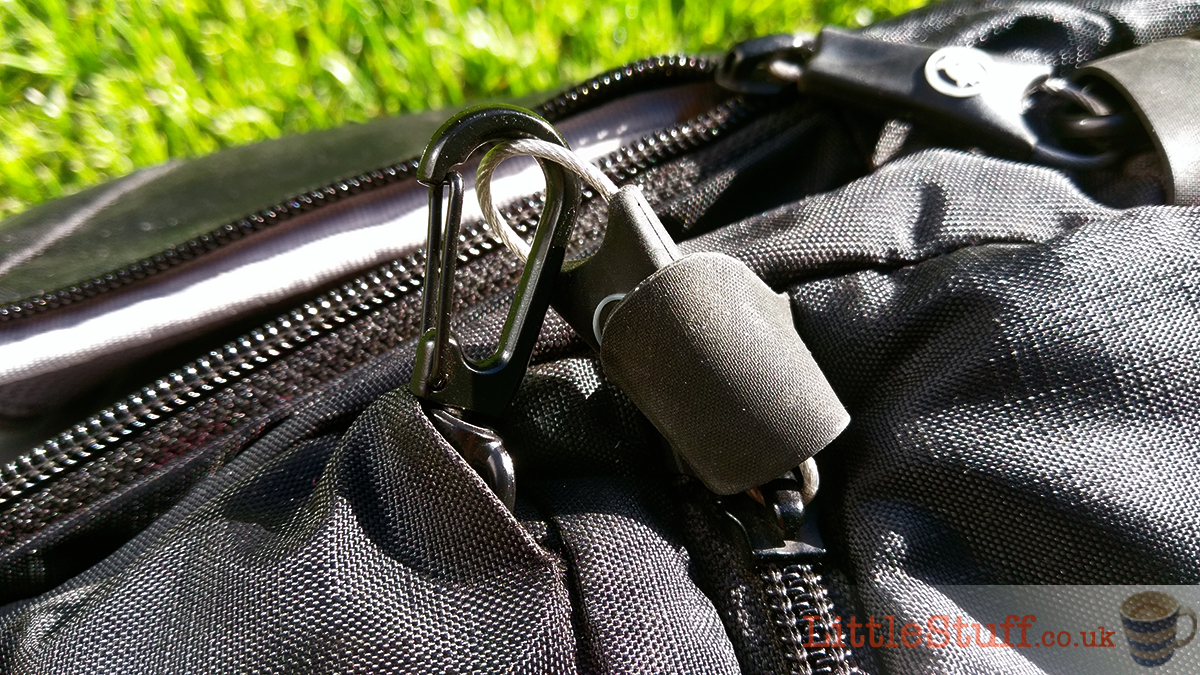 camera-bag-secure-zips