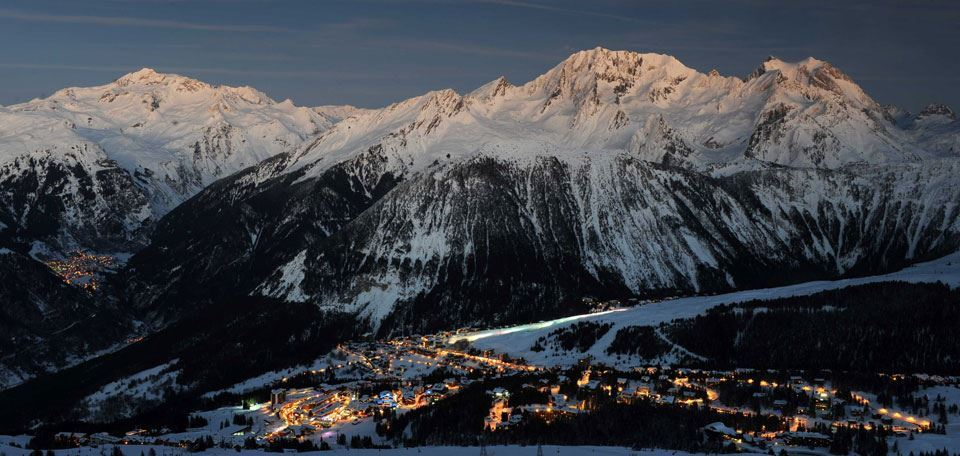 18-4courchevel-night-village