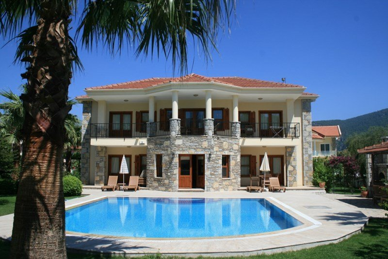 Last-Minute Villa with pool in Turkey