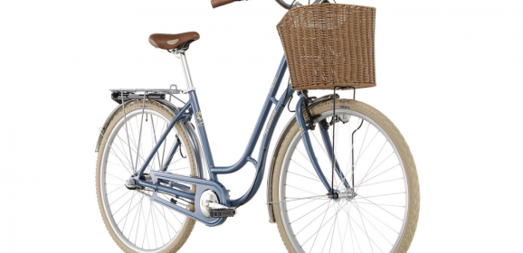 Oh we're in LOVE with this pretty pretty bike… *goes shopping just to fill the basket*
