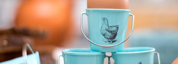 Spotted! PERFECT Vintage Chicken Pail Egg Cups