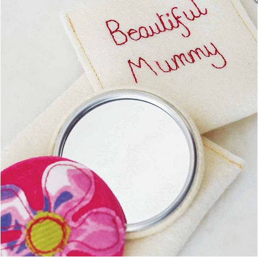 Mothers Day Idea #11 – Sweet Little Mirror for a Beautiful Mummy