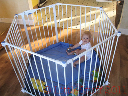 Lindam safe and secure playpen review