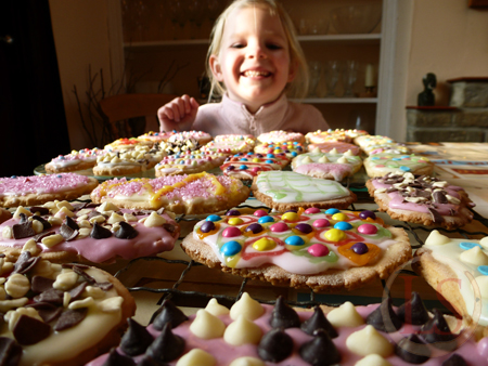 'Easter Egg' Easy Easter Biscuits – perfect afternoon baking with the children