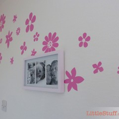 Missing a finishing touch to the makeover – and wall stickers were IT! #TinyRoomMakeover