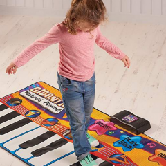 Musical Giant Keyboard | #ChristmasGiftGuide