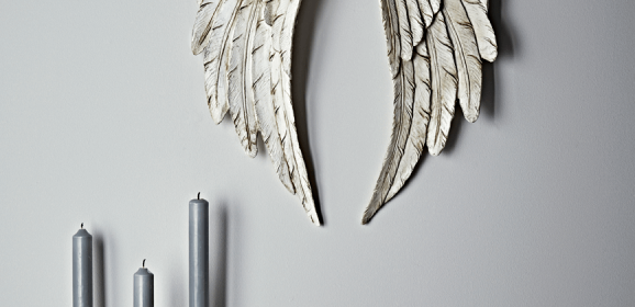 Antique White Angel Wings | #ChristmasGiftGuide