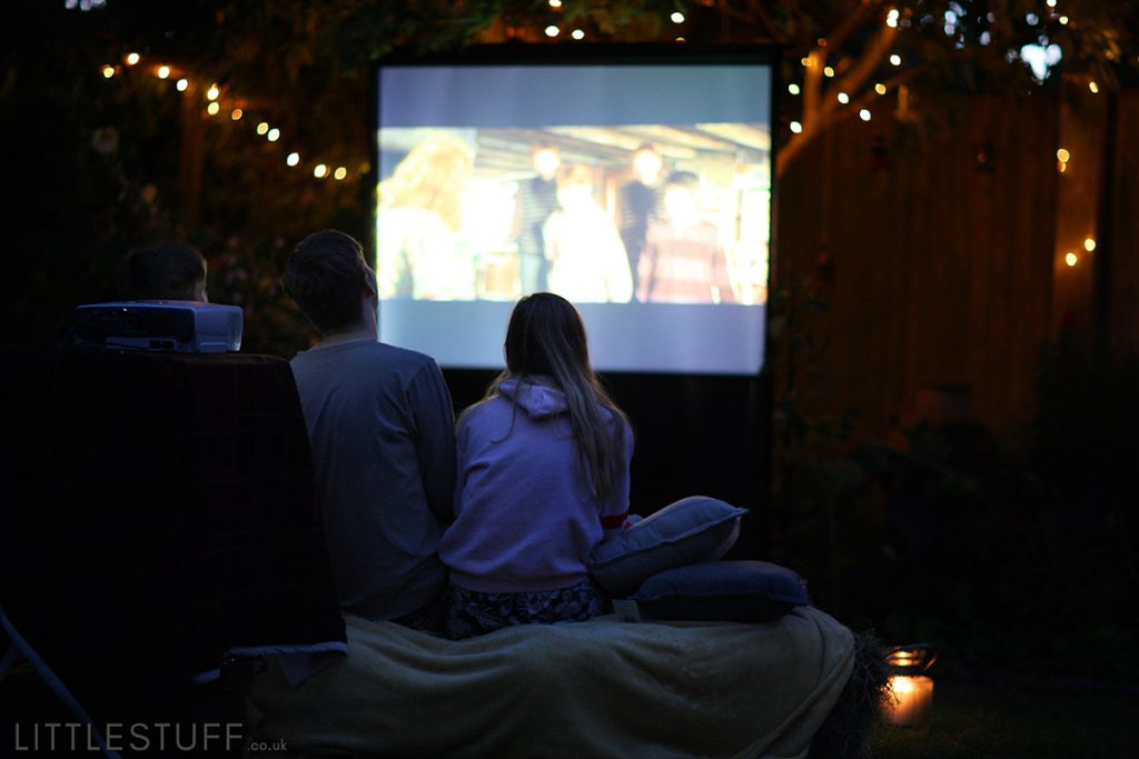 DIY set up for outdoor cinema in your back garden