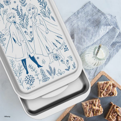 Win an £87 'Frozen 2' Bakeware set from Nordic Ware | #WinterStuff
