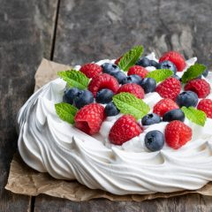 Easy Pavlova Recipe – simple, delicious and NEVER fails