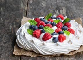 Easy Pavlova Recipe – simple, delicious and NEVER fails