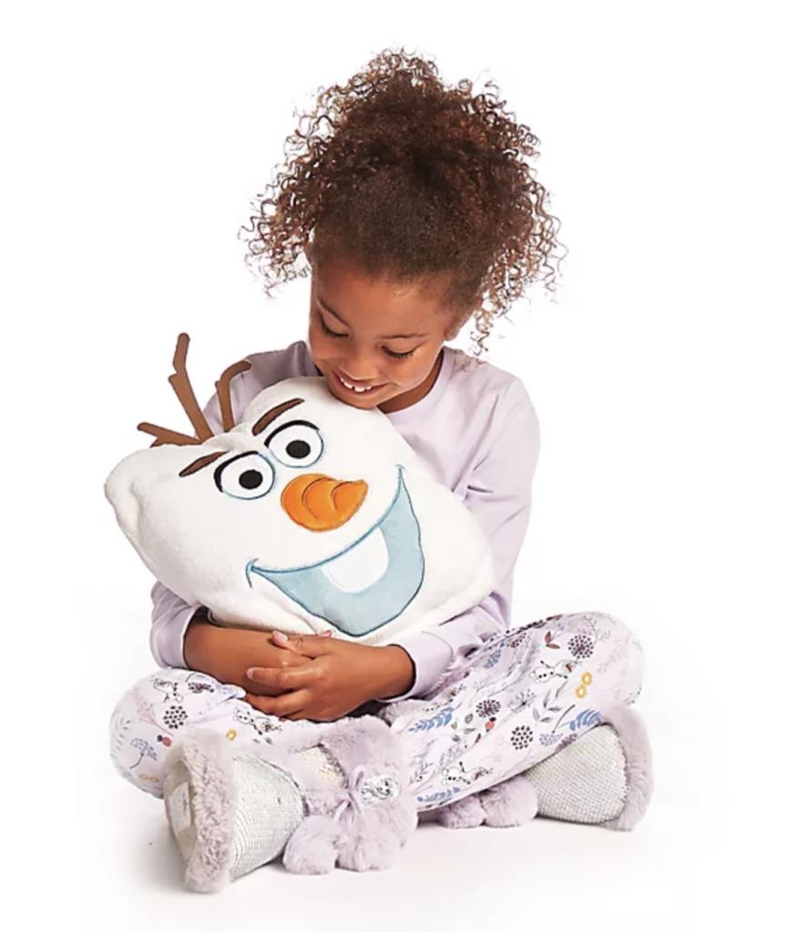 Olaf fleece throw and cushion